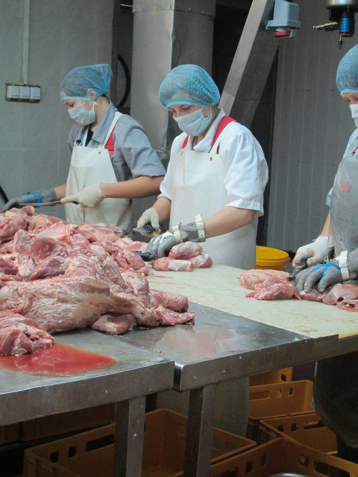 обычно изготавливается жиловщик мяса что делает редких